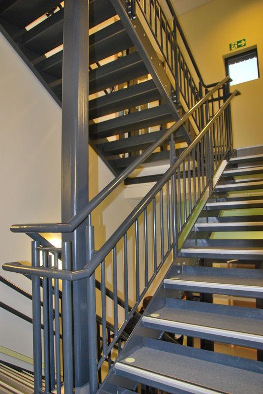 DPS internal stairs 2 800x500