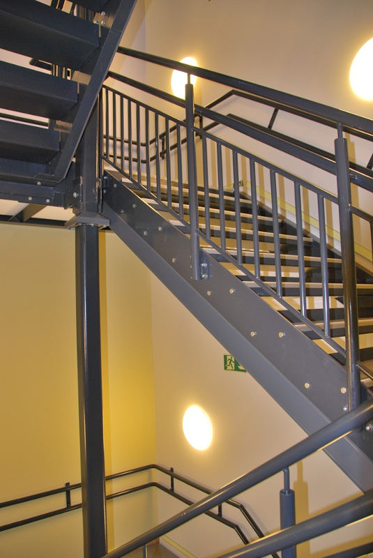 DPS internal stairs 3 800x500